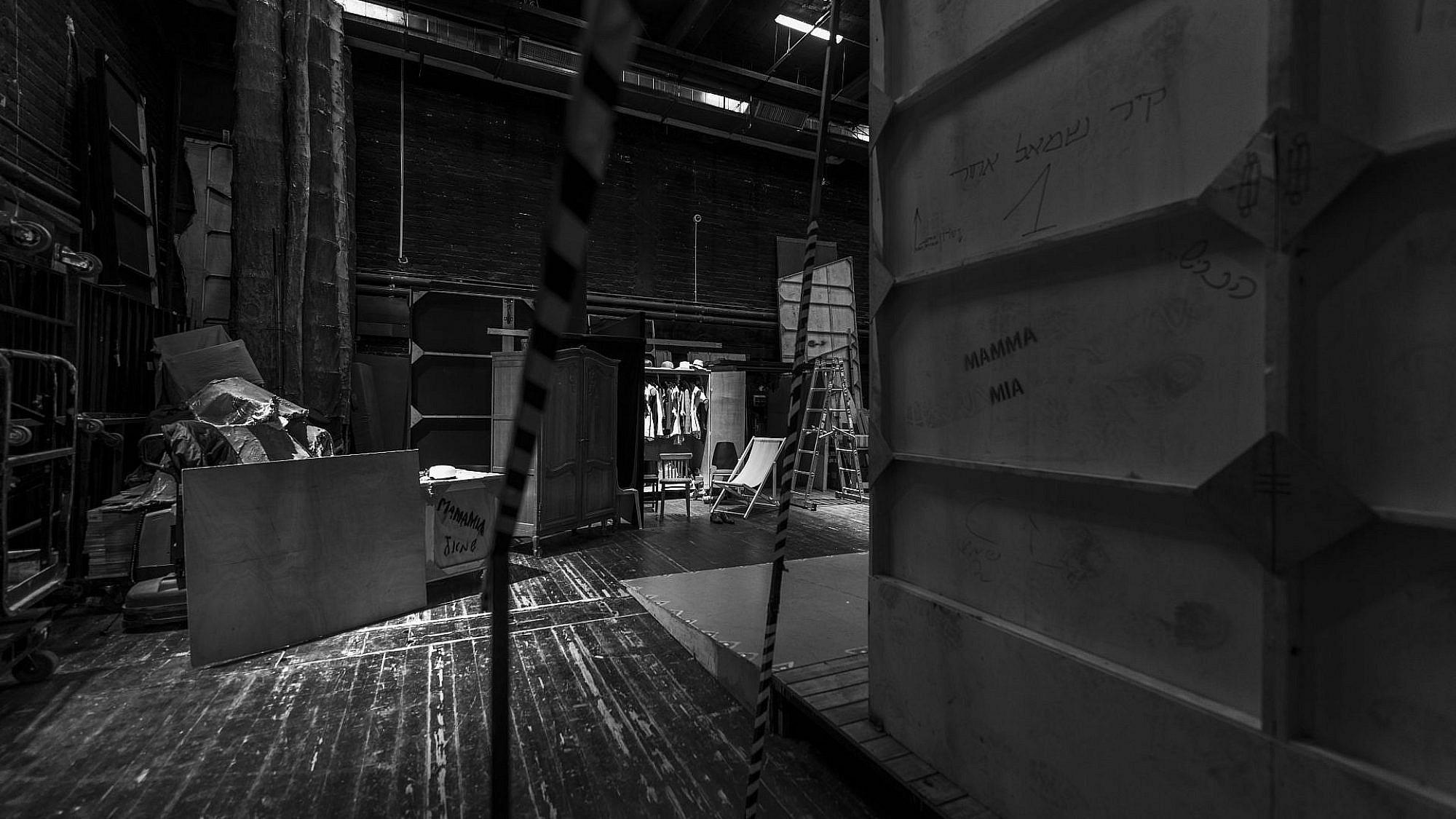 אולם ומלואו. תיאטרון הבימה בקורונה (צילום: איליה מלניקוב)
