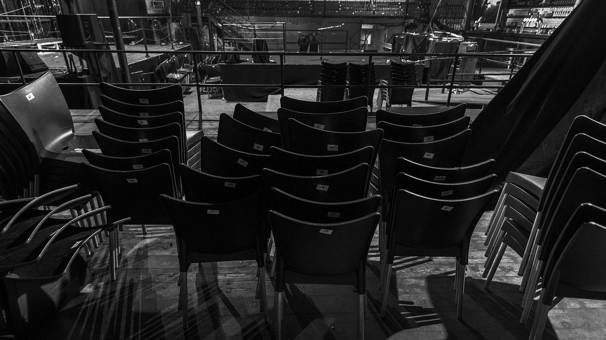 אולם ומלואו. הבארבי בקורונה (צילום: איליה מלניקוב)