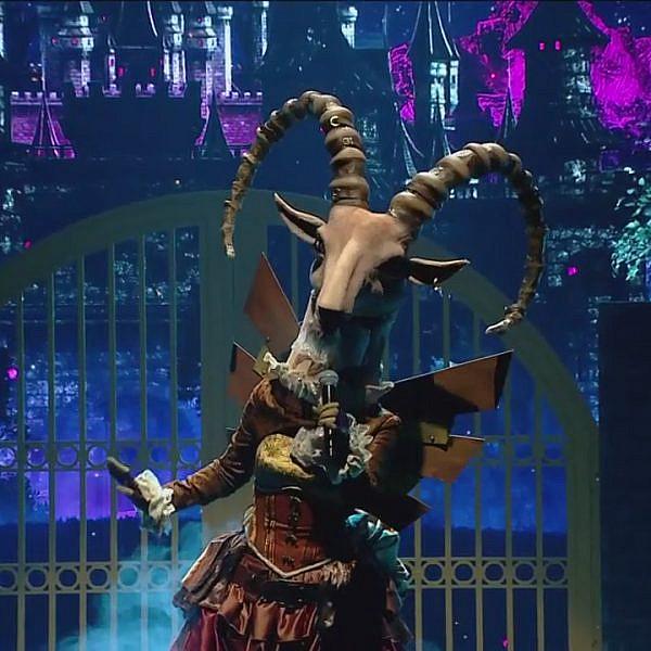 גלית! גיאת! דה נאמבר אוף דה ביסט! הזמר במסכה (צילום מסך: קשת 12)