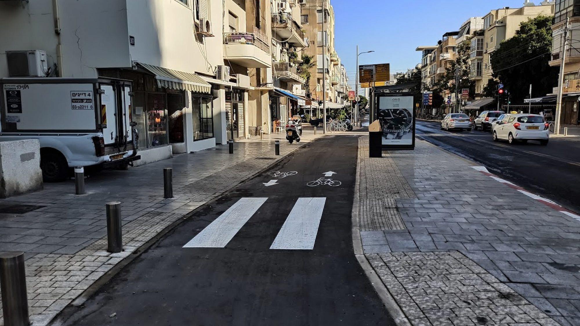 """שביל האופניים ברחוב בן יהודה. צילום: עיריית ת""""א"""