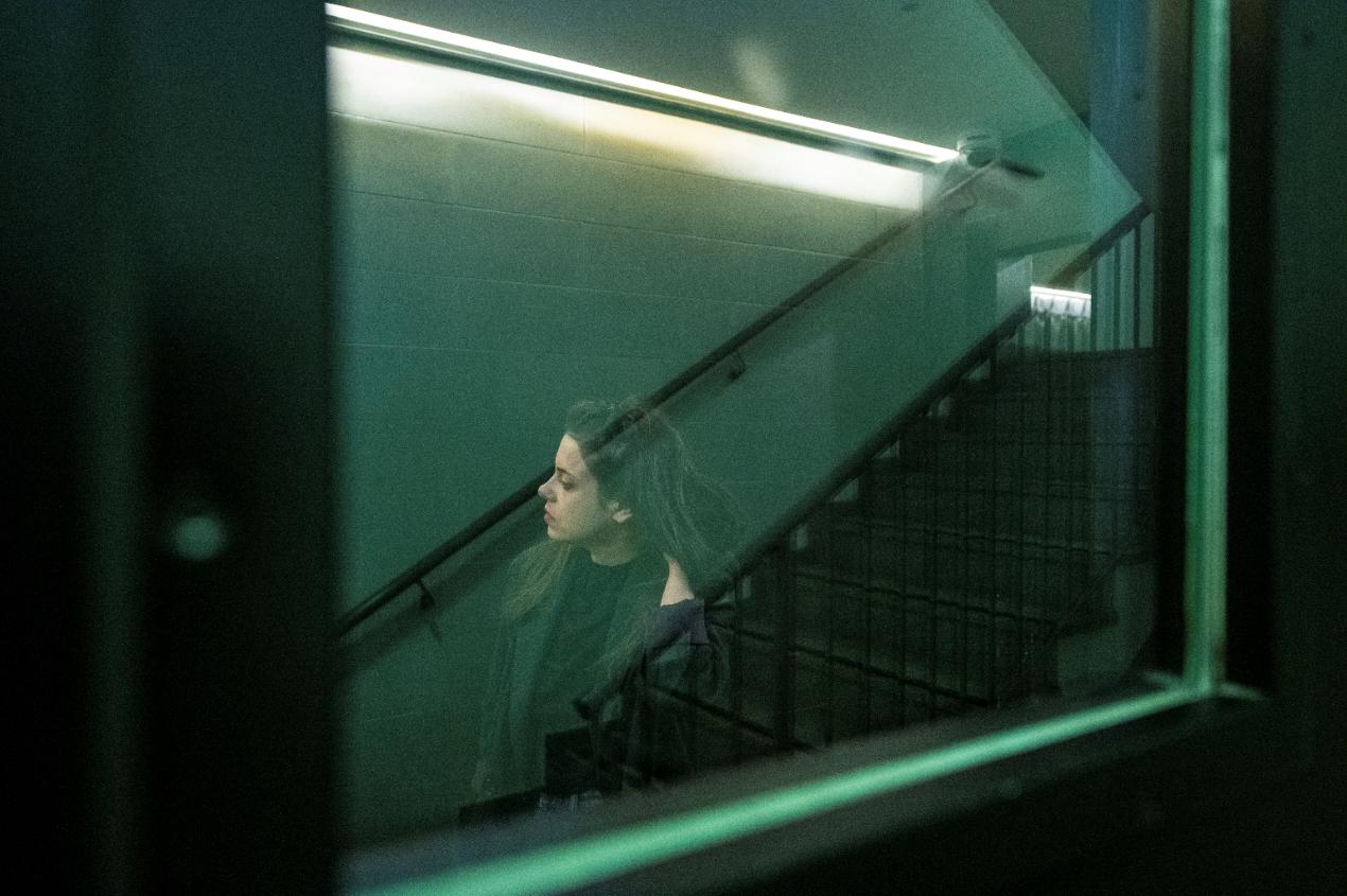 מדיטציה בעמידה בחדר המדרגות. בראון ביץ' האוס (צילום: איליה מלניקוב)