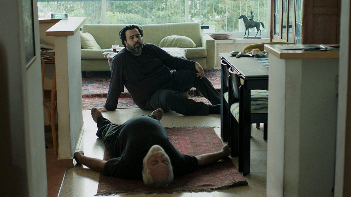 """מתוך הסרט """"מותו של הקולנוע ושל אבא שלי גם"""". צילום: דוד סטרזמייסטר"""