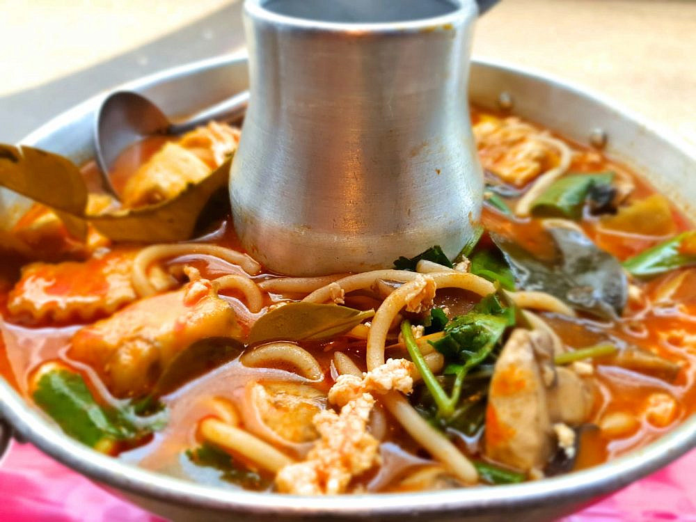 מרק שוק תאילנדי. טייגר לילי (צילום: יניר גרין)