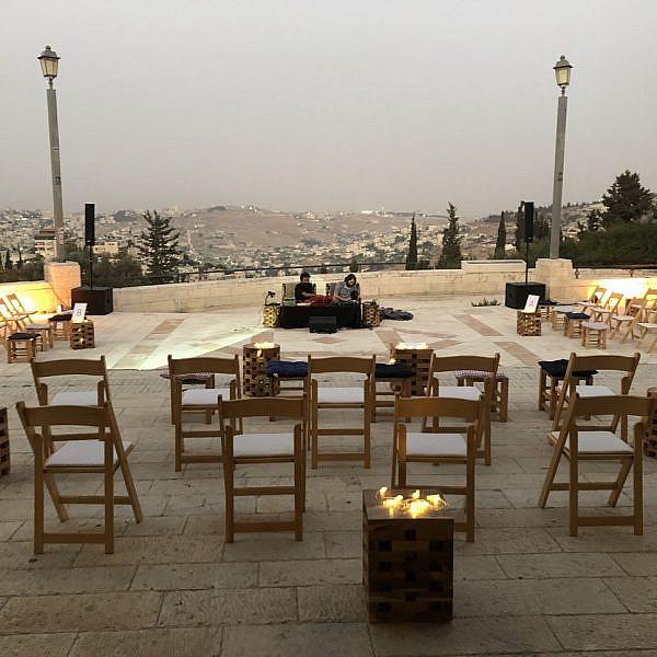 המרפסת עם הנוף המהמם בירושלים. צילום: גיל רוביו