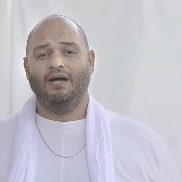 שי צברי (צילום מסך: מתוך הקליפ
