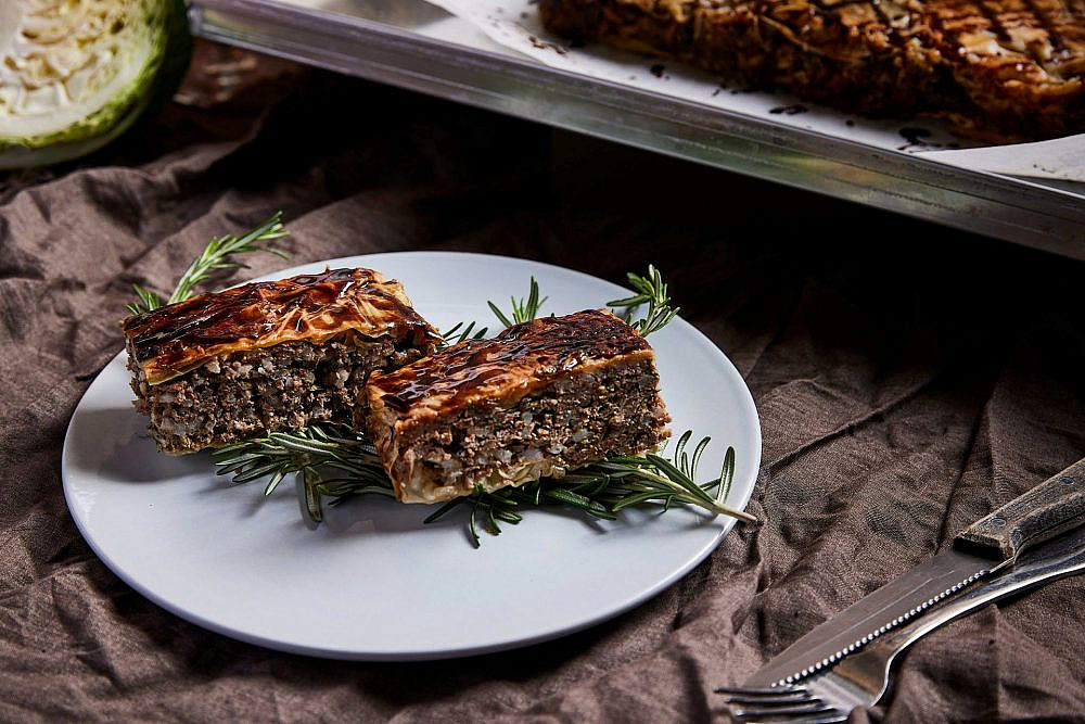 עוגת כרוב ברוסטיקו (צילום: יהונתן בן חיים)
