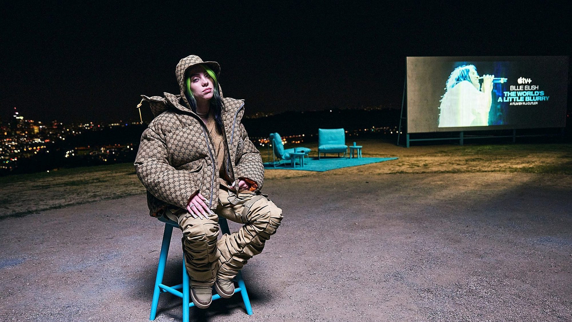 """עמדה ושאלה """"למה?"""". בילי אייליש באירוע ההשקה של הסרט באל.איי (צילום: קורי אנג'לו\גטי אימג'ס)"""