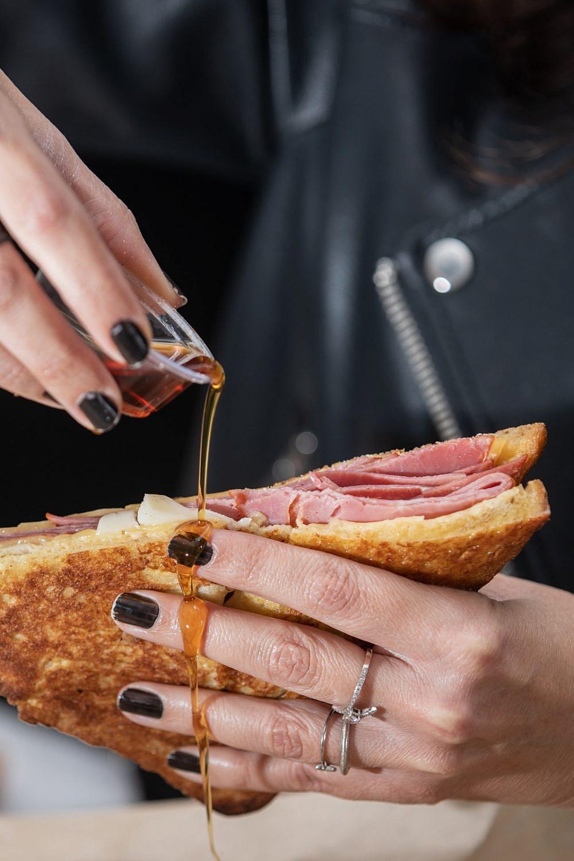 ולא לשכוח לאכול בידיים. סטריט שף (צילום: איתן וקסמן)