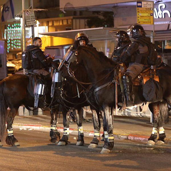 כוחות משטרה, אתמול ביפו. צילום: אורן זיו
