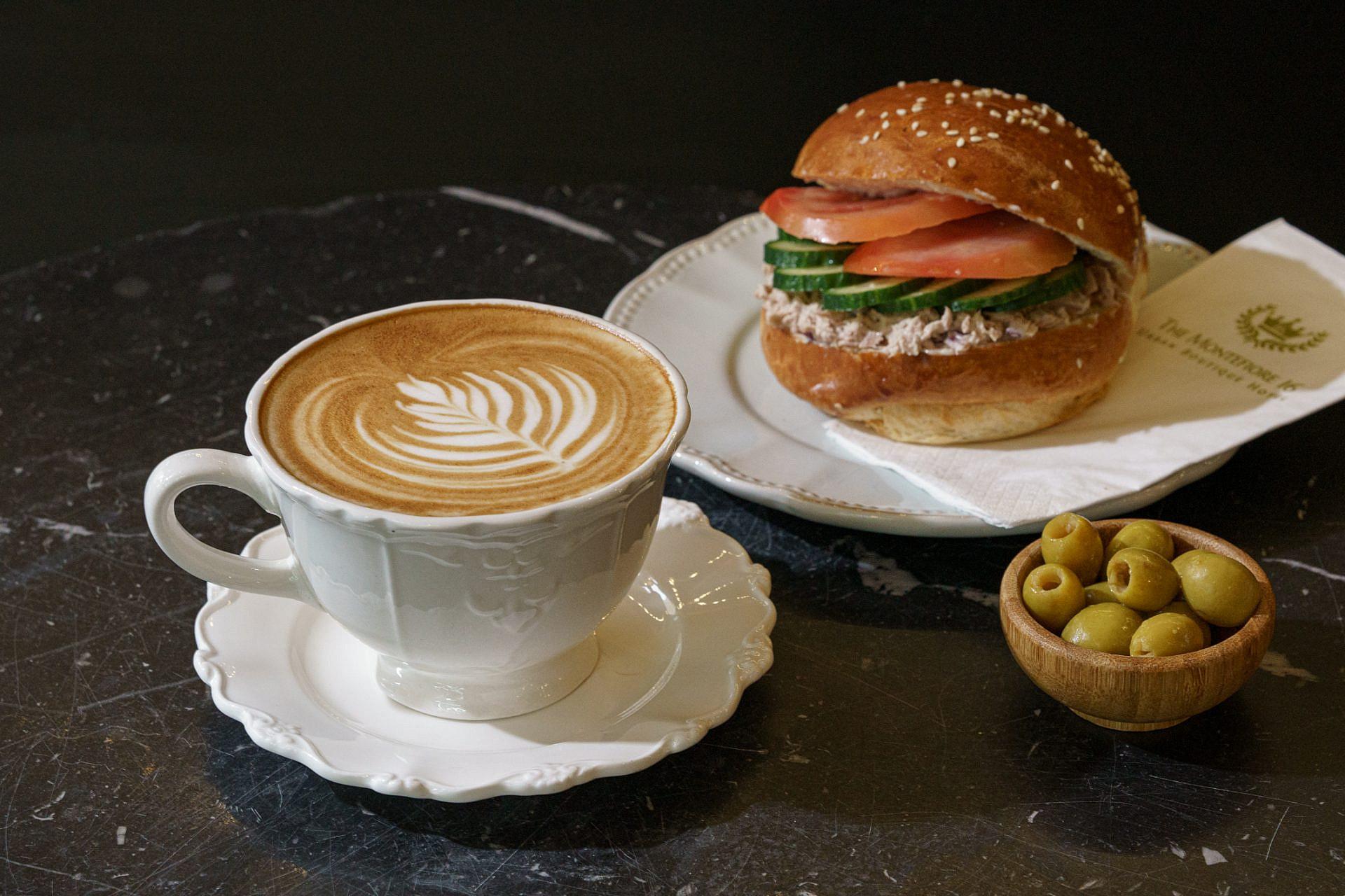 מה עם קפה וכריכון? צילום: אנטולי מיכאלו