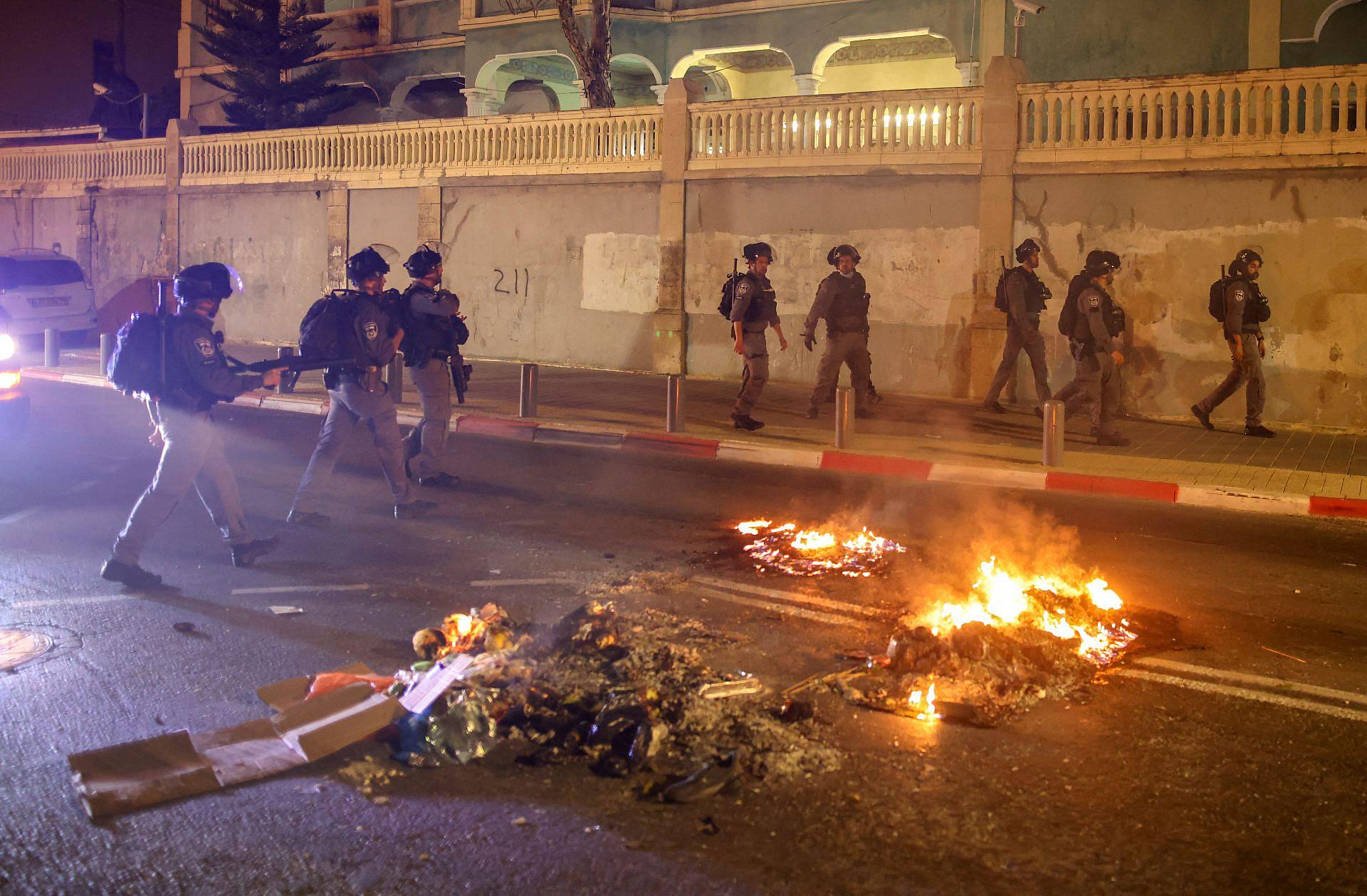 """חיילי מג""""ב ומתנחלים יקבעו מה יהיה בתל אביב? המהומות ביפו, אפריל 2021 (צילום: אחמד ג'רבלי\AFP\גטי אימג'ס)"""