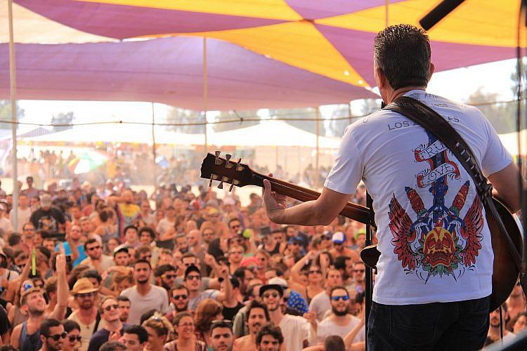 אינדינגב 2014, חיים אוליאל על הבמה. צילום: דפנה טלמון