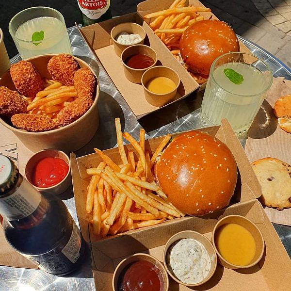 המבורגר רגיל ומצוין (וכשר!) בתל אביב הוא לא עניין של מה בכך (צילום: מתוך עמוד האינסטגרם של Kets)