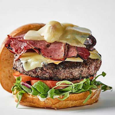 המבורגר מיט צ'יז בצ'אפו (צילום: יחסי ציבור)