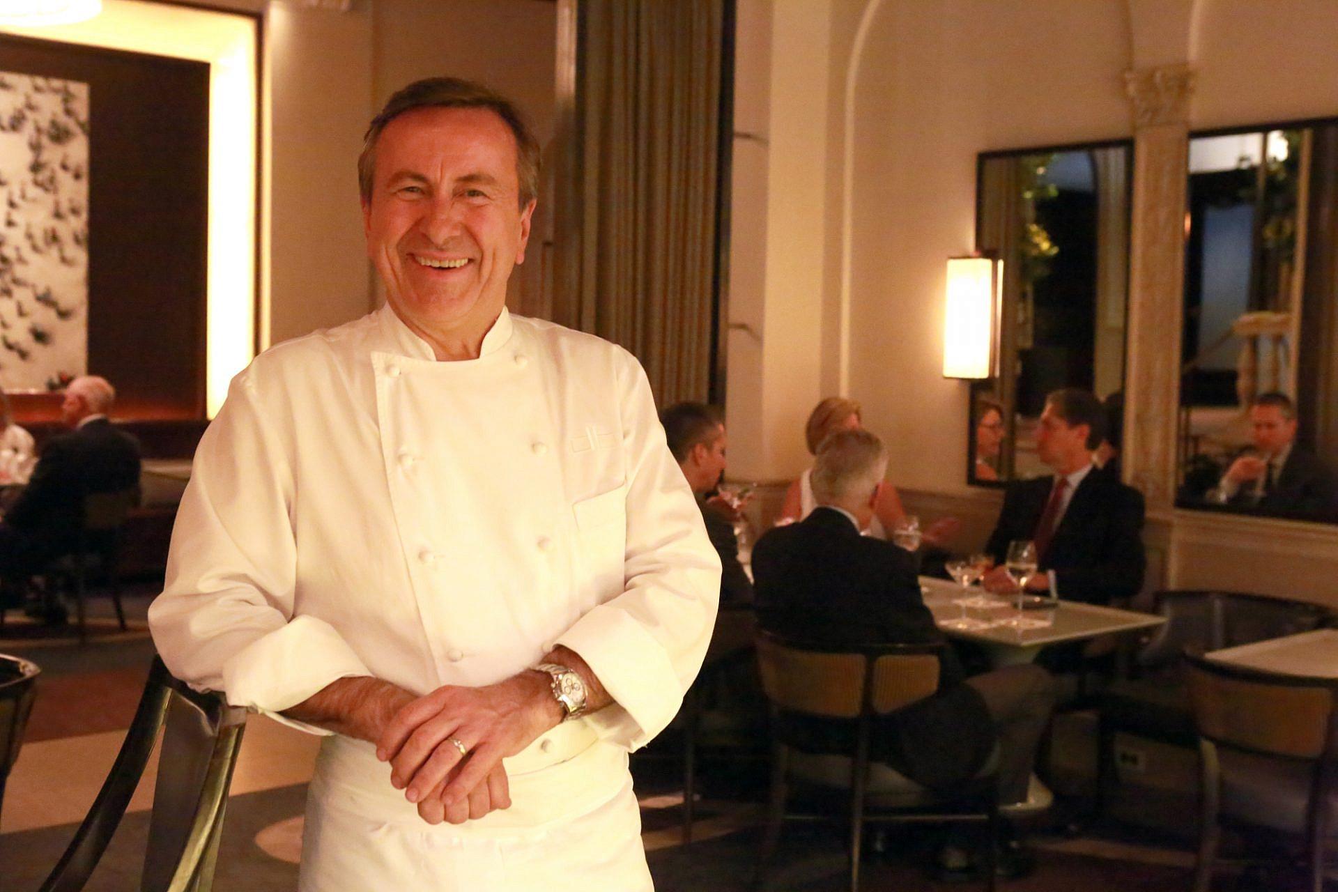 """שף דניאל בולו במסעדת """"דניאל"""" (צילום: אוון פרנקן\גטי אימג'ס)"""