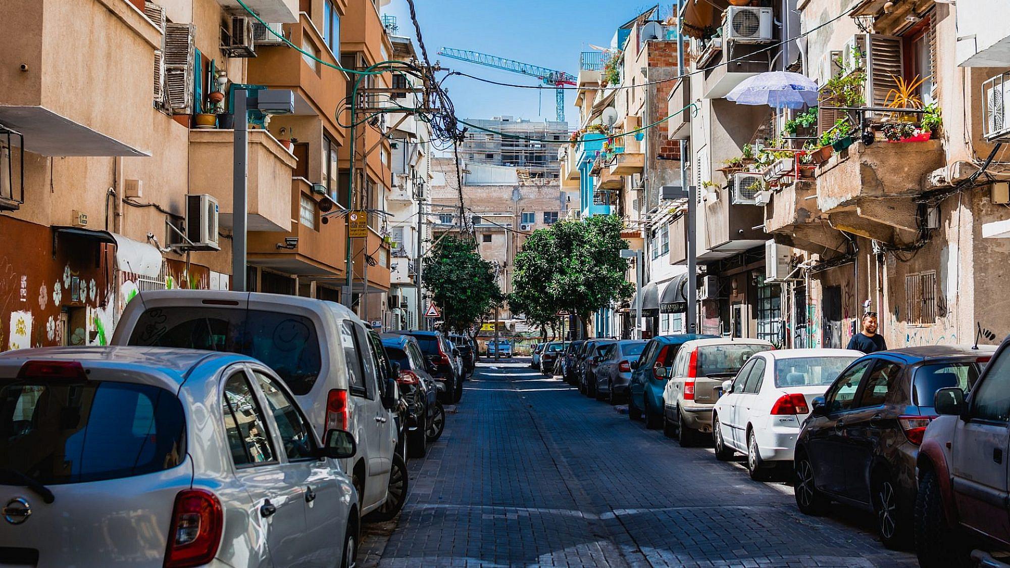 רחובות נטושים ועסקים מחוסלים. שכונת פלורנטין (צילום: שאטרסטוק)