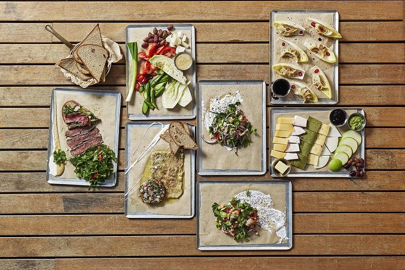 ארוחה באסמבלאז' | צילום: אפיק גבאי