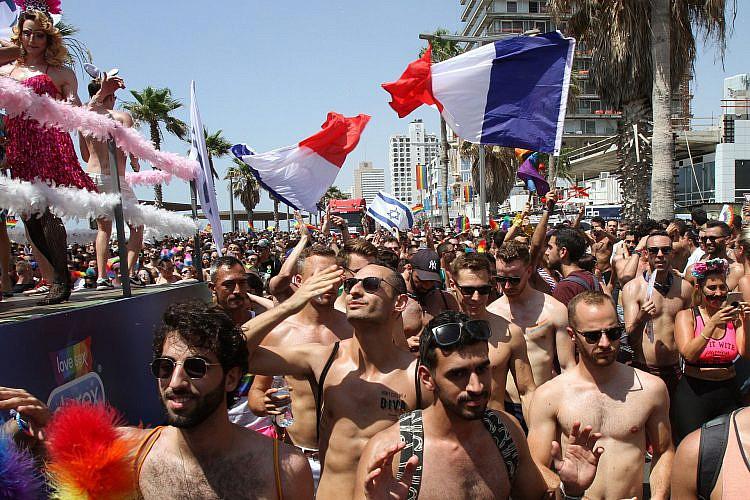 כן, תיירים לארדים, גם אתם יכולים לחכות עוד שנה. מצעד הגאווה (צילום: גיל כהן מגן\גטי אימג'ס)