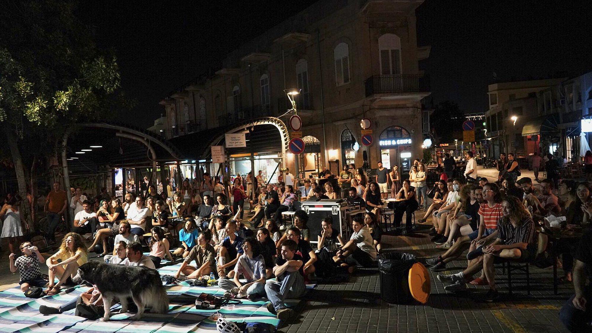אין כמו יפו בלילות אה. קיץ יפואי בשוק הפשפשים (צילום: אילן ספרא)