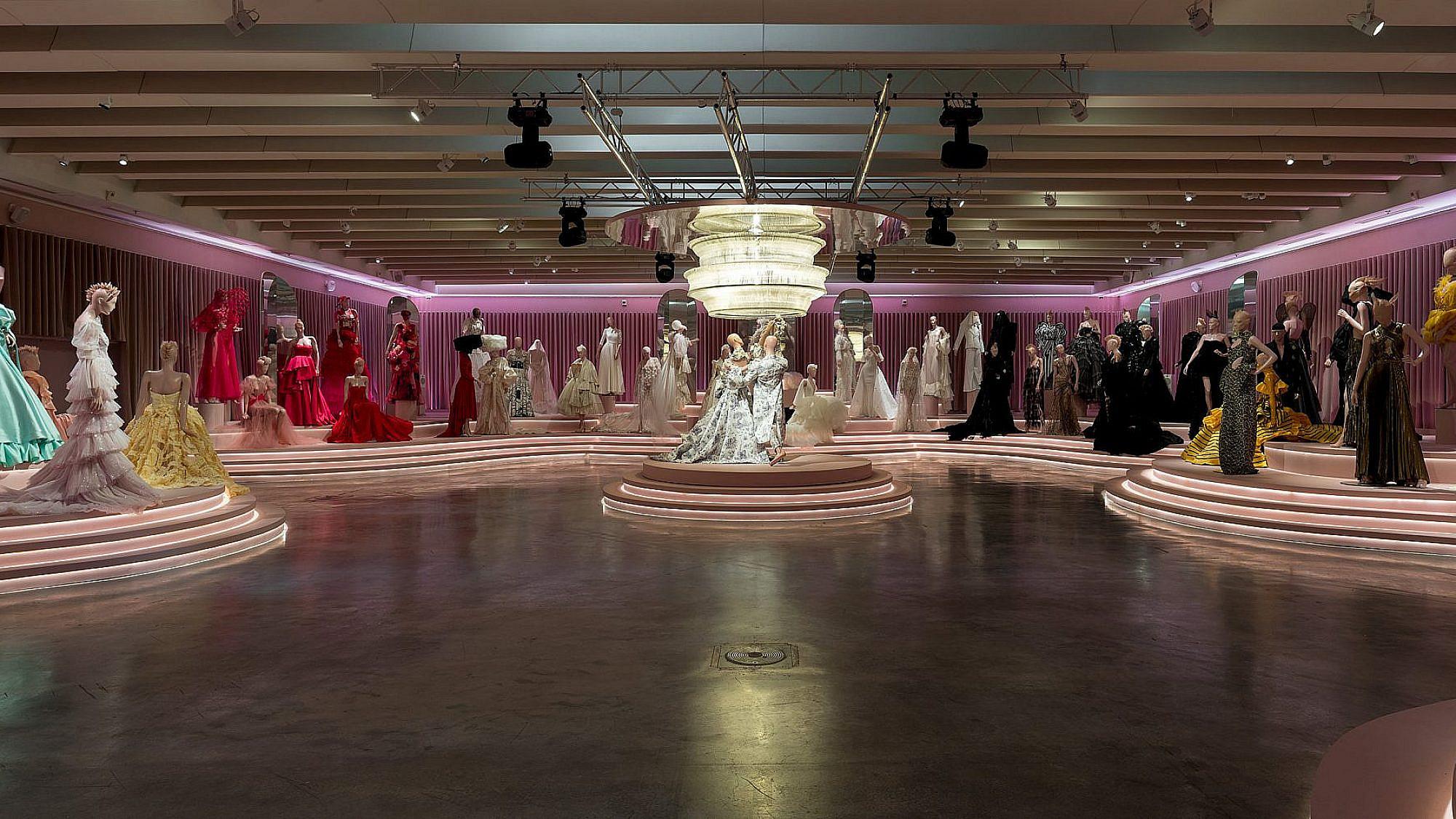 תערוכת הנשף במוזיאון העיצוב חולון. צילום: אלעד שריג