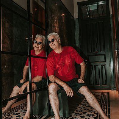 אורי שטרק (צילום: מיקה גורוביץ | ע. צלמת: אמבר אופיר, גל בומנדיל | צולם במלון בוטיק אסמבלאז')