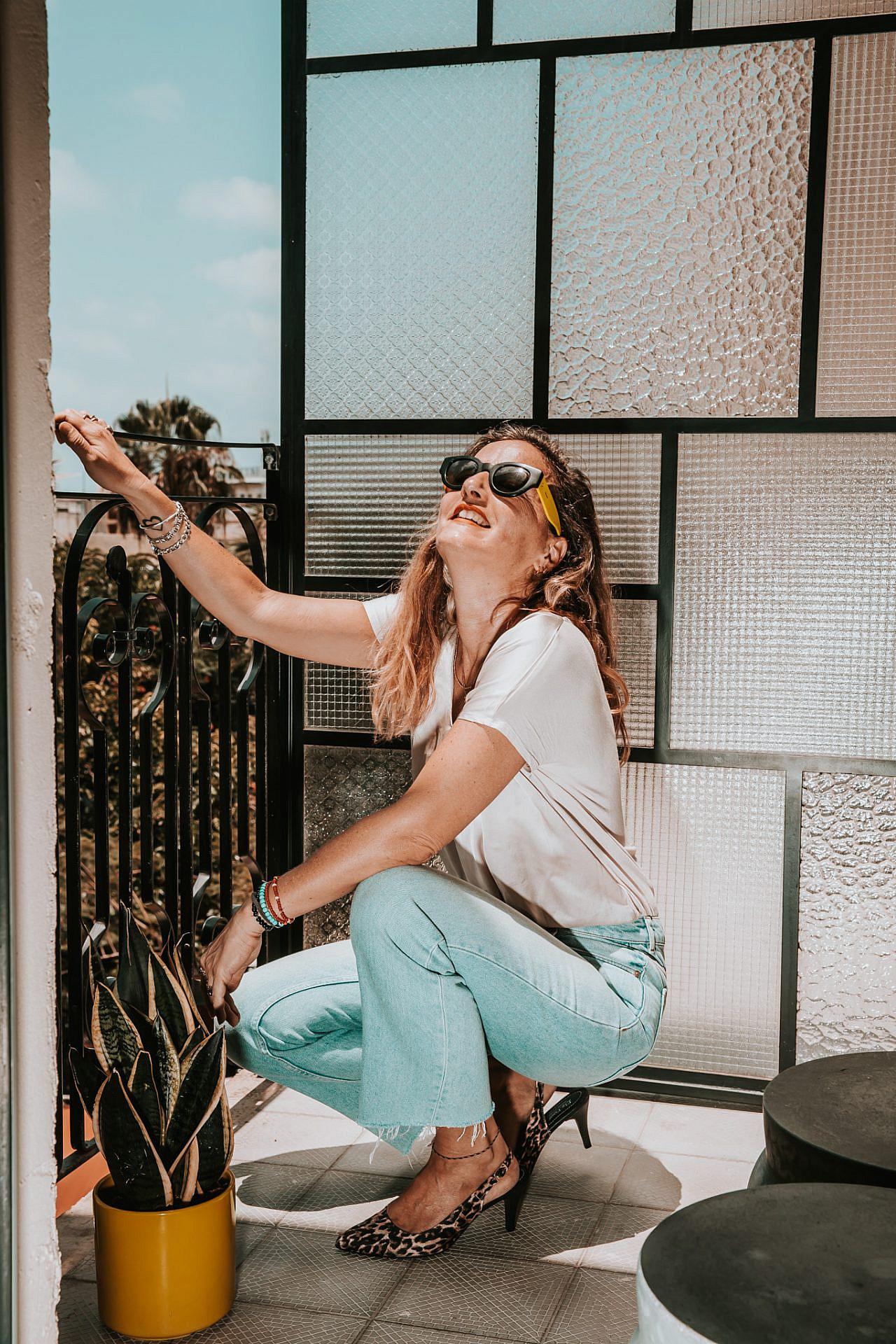 ריה טסלר (צילום: מיקה גורוביץ   ע. צלמת: אמבר אופיר, גל בומנדיל   צולם במלון בוטיק אסמבלאז')