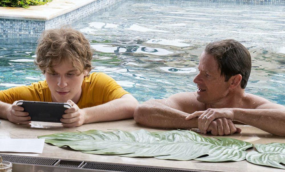 סודות קטנים ומכוערים. סטיב זאהן (מימין), ״הלוטוס הלבן״ (צילום: HBO)