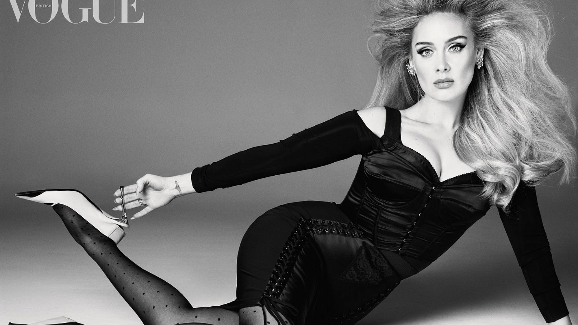 אדל. מתוך הקאבר של ווג. קרדיט: Steven Meisel, British Vogue